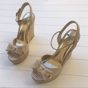[GUESS] Straw Woven Bow Wedges Cream Strappy Cute